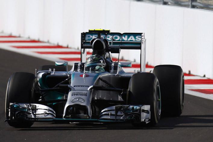 Giro Marília -Hamilton vence; Mercedes já é campeã