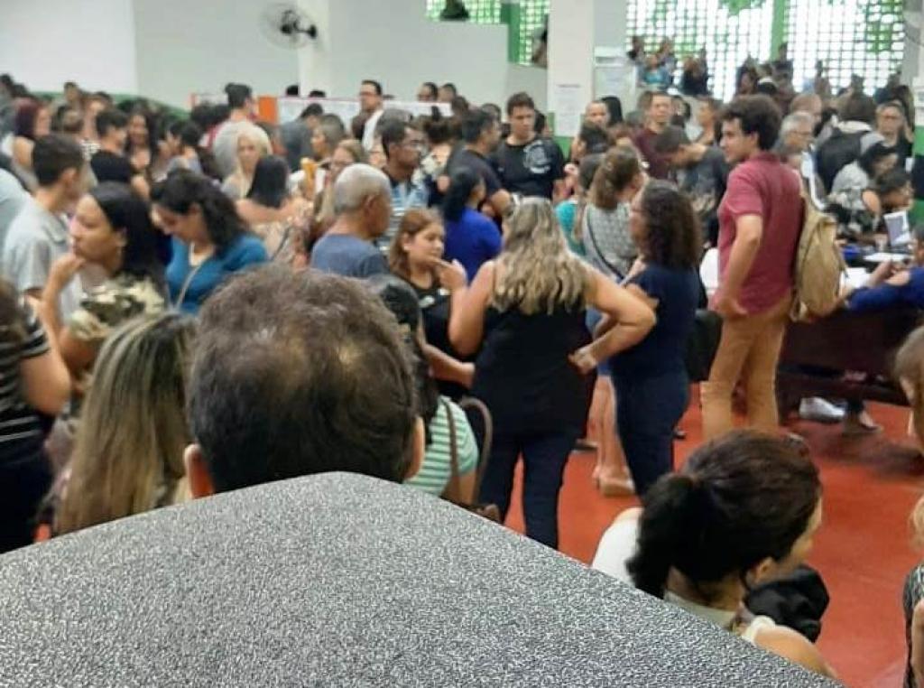 Giro Marília -Educação adia atribuição de aulas em Marília outra vez; planilhas refeitas à mão