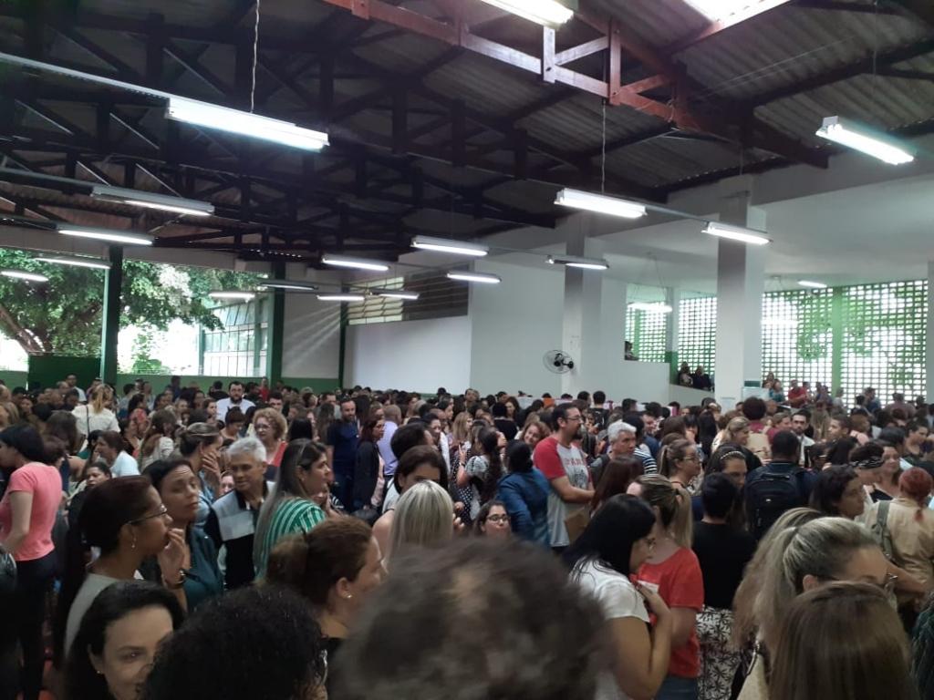 Giro Marília -Sistema do Estado falha e atribuição de aulas tem confusão em Marília