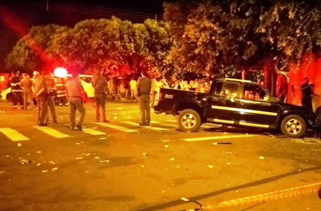 Giro Marília -Motorista atropela 17 pessoas em bar na região de Andradina; duas mortes