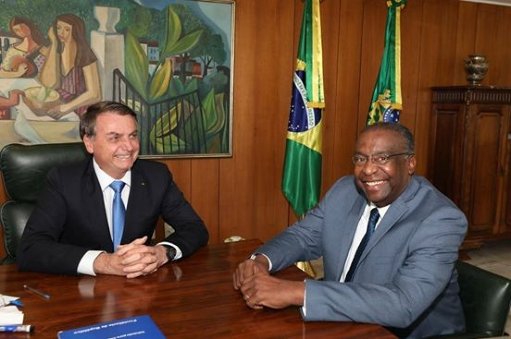 Giro Marília -Economista, professor e oficial da reserva é novo ministro da Educação