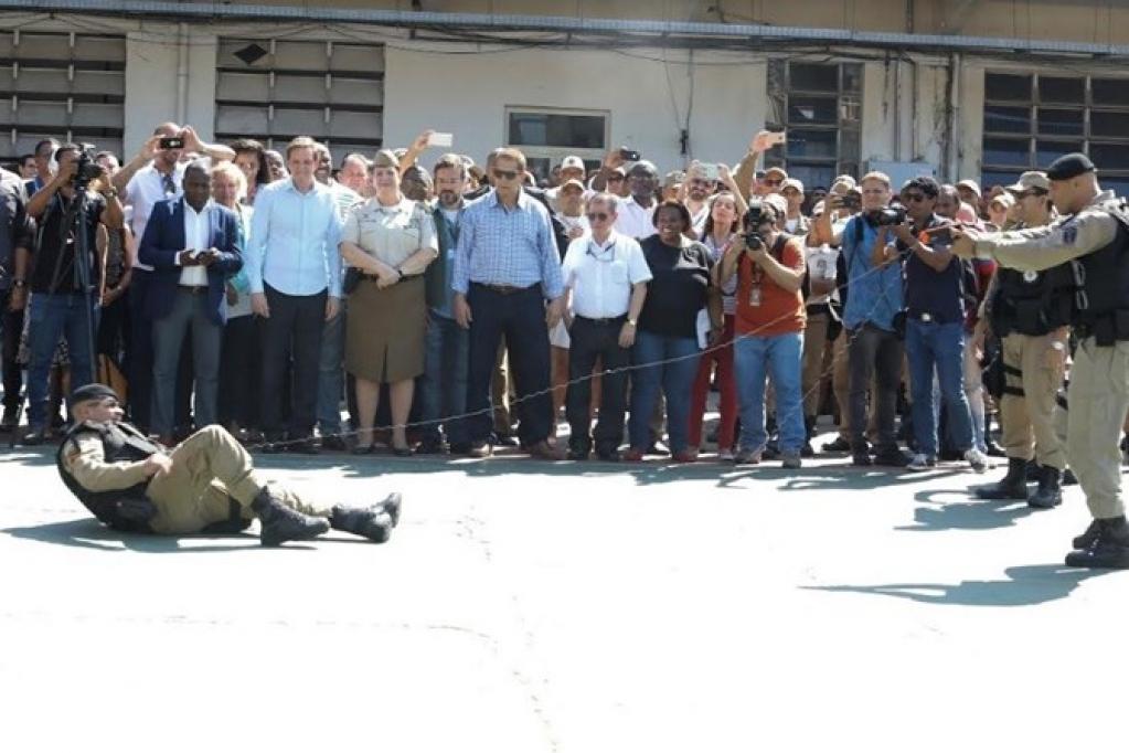 Giro Marília -Guarda municipal do Rio recebe mil armas de eletrochoque