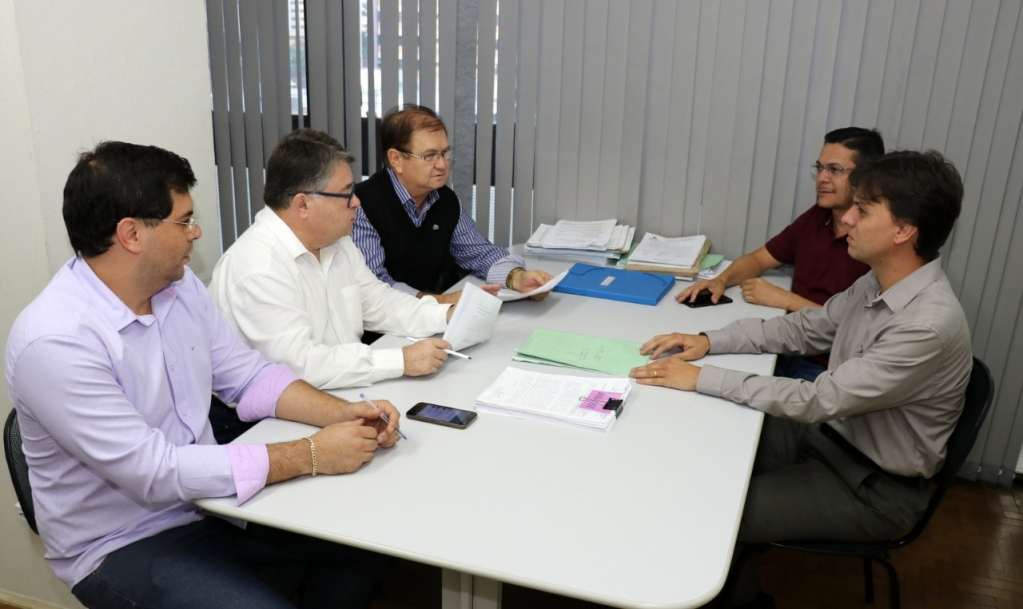 Giro Marília - Daniel regulamenta horas extras e compensação obrigatória na Prefeitura