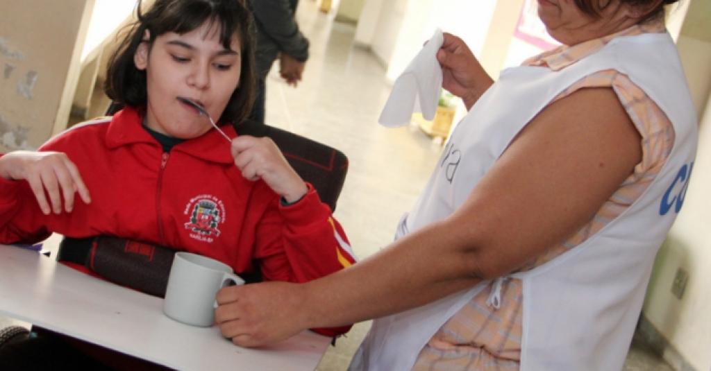 Giro Marília -Empresa demite cuidadores de alunos especiais da rede municipal em Marília