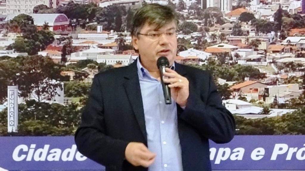 Giro Marília -Daniel deve recusar aumento de salário; decisão vaza e abre crise com Câmara