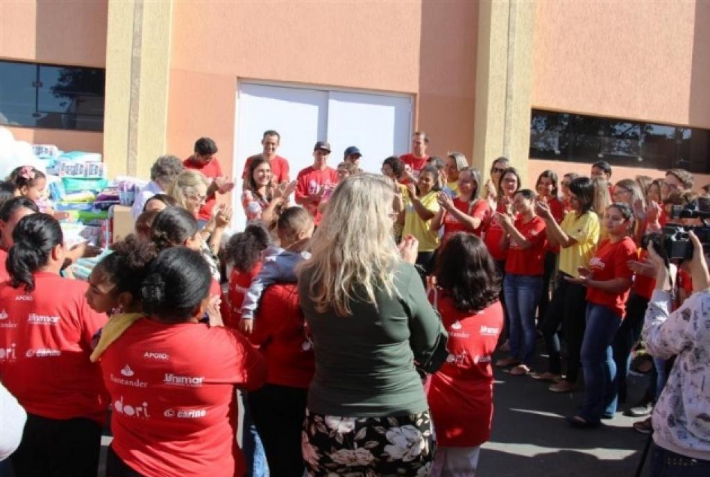 Giro Marília -Amor de Criança vai receber 160 mil fraldas e cheque de funcionários da Dori
