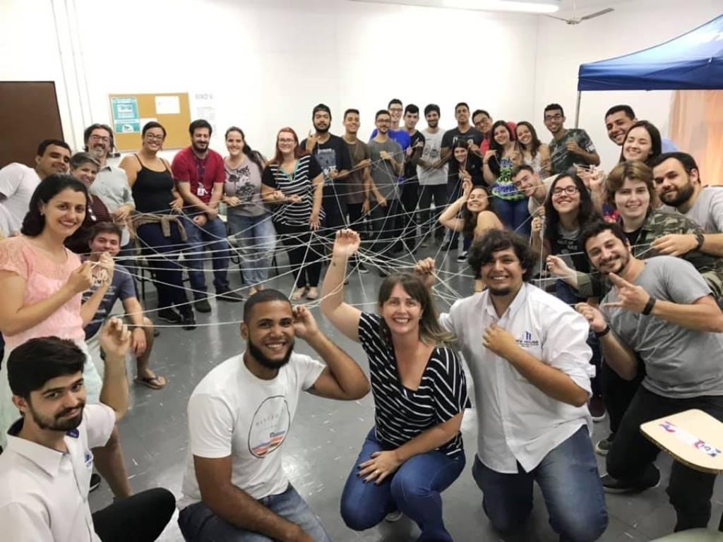 Giro Marília -Curso da Unimar faz homenagem a estudantes após TCC