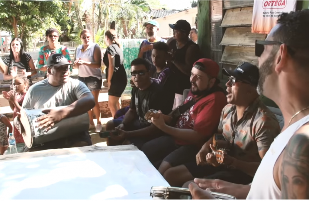 Giro Marília -Grupo de Marília vai à favela para gravar clipe e exaltar 'quebrada'