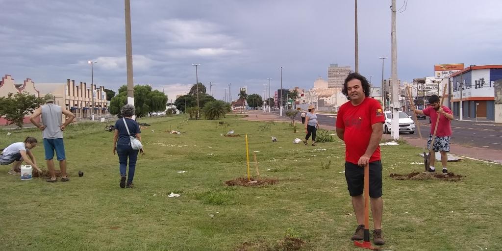 Giro Marília -Marília vai ter mutirão para plantio de árvores em dezembro