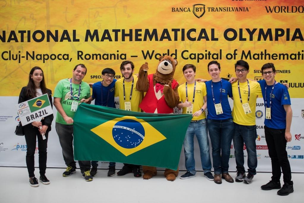 Giro Marília -Estudante da região leva ouro em Olimpíada Internacional de Matemática