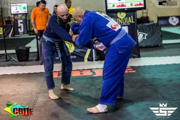 Giro Marília -Atleta de Marilia fatura prata no mundial de jiu-jitsu