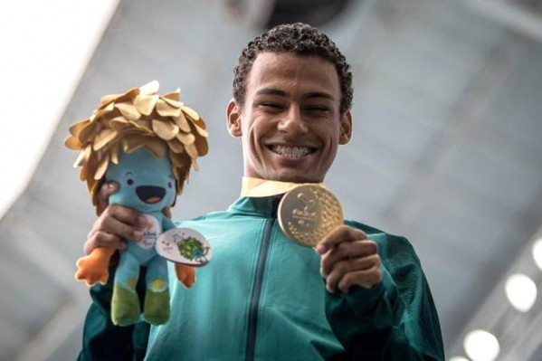 Giro Marília -Paralímpicos distribuem autógrafos nesta sexta (07)