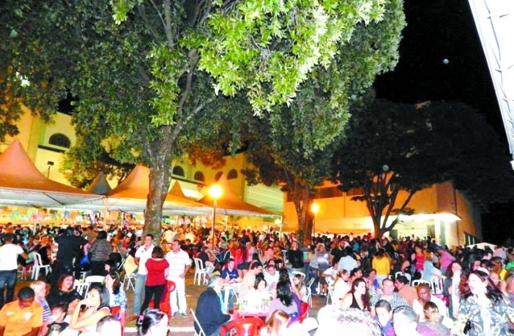 Giro Marília -Paróquia de Santo Antonio anuncia trezena, benção de pães, bolo e quermesse