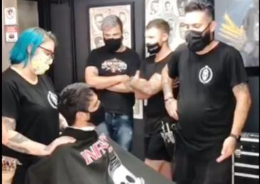 Giro Marília -Barbearia faz homenagem surpresa a cliente com câncer no Paraná e viraliza; assista