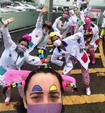 Giro Marília -Klínica da Alegria aplica 'vacina do amor' em Marília e reação emociona; assista