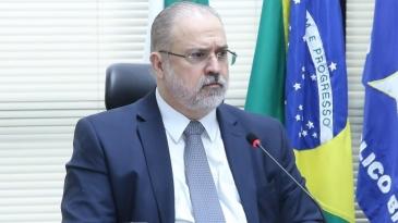 Giro Marília -PGR cobra governadores sobre o uso de verbas federais para hospitais de campanha