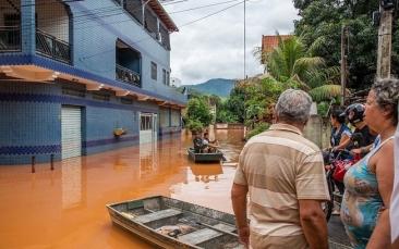 Giro Marília -Número de mortes sobe para 47 após chuvas em Minas Gerais