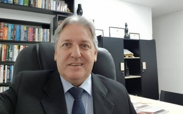 """Giro Marília -Advogado que ajudou a esconder Queiroz tem """"currículo"""" de crimes"""