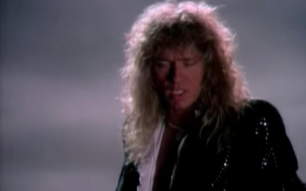 """Giro Marília -Whitesnake: clássico """"Is This Love"""" de 1987 ganha nova versão no YouTube"""