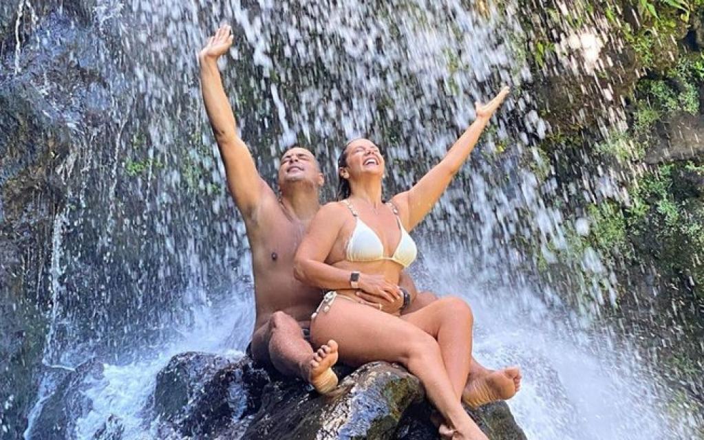 Giro Marília -Carla Perez e Xanddy viajam para o Havaí para renovar votos