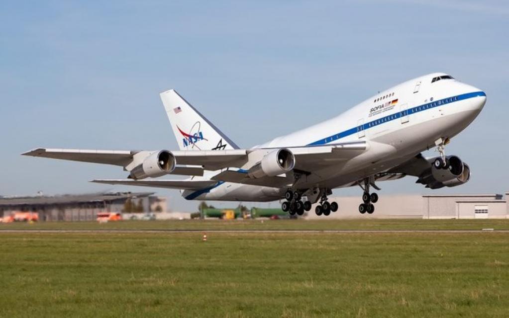 Giro Marília -Boeing 747 Sofia encontra água na Lua