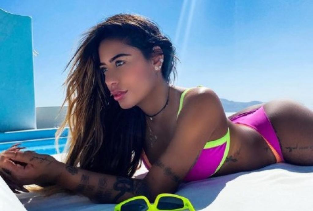 Giro Marília -Rafaella Santos quebra a internet ao posar deitada na praia