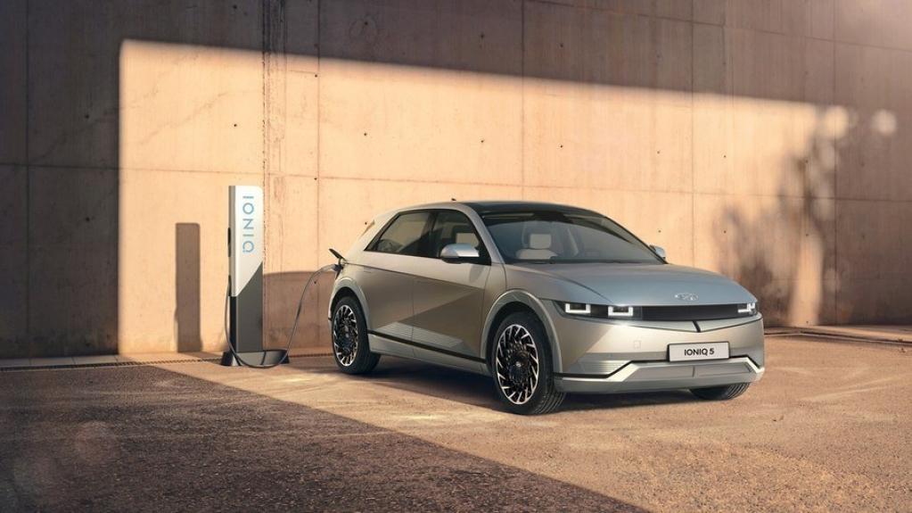 Giro Marília -Hyundai revela Ioniq 5, modelo elétrico com motor de 306 cv