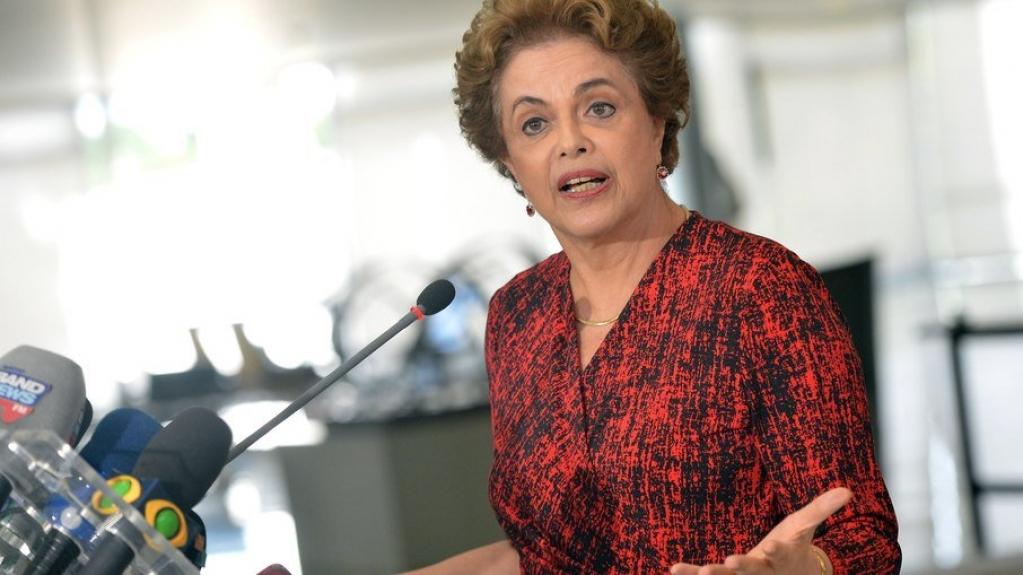 """Giro Marília -""""Auxílio emergencial não pode ser objeto de chantagem"""", afirma Dilma"""