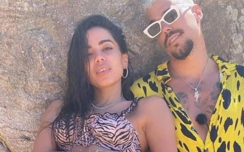 Giro Marília -Anitta curte férias com seu affair Lipe Ribeiro no Caribe