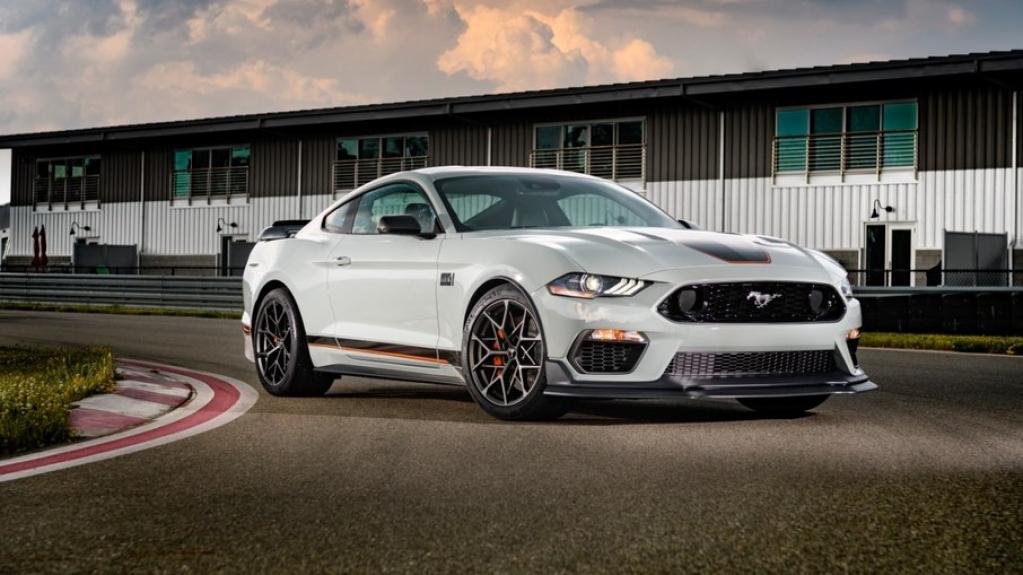 Giro Marília -Ford inicia pré-venda do cupê esportivo Mustang Mach 1 no Brasil