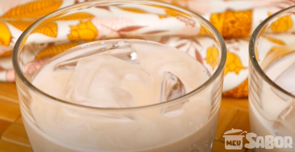 Giro Marília -Que tal fazer a sua própria amarula? Um licor caseiro e super gostoso!