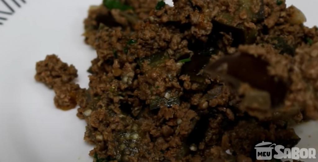 Giro Marília -Carne moída refogada com berinjela picadinha, uma delicia! Você vai amar!