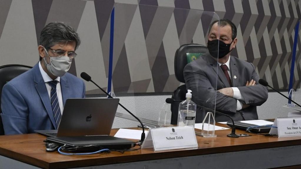 """Giro Marília -Aziz se irrita com respostas de Teich na CPI: """"se você não lembra, fica difícil"""""""