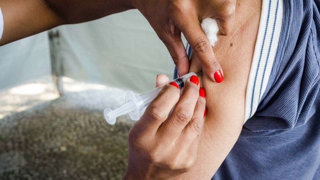 Giro Marília -Biden anuncia apoio dos EUA a quebra de patentes de vacinas contra Covid-19