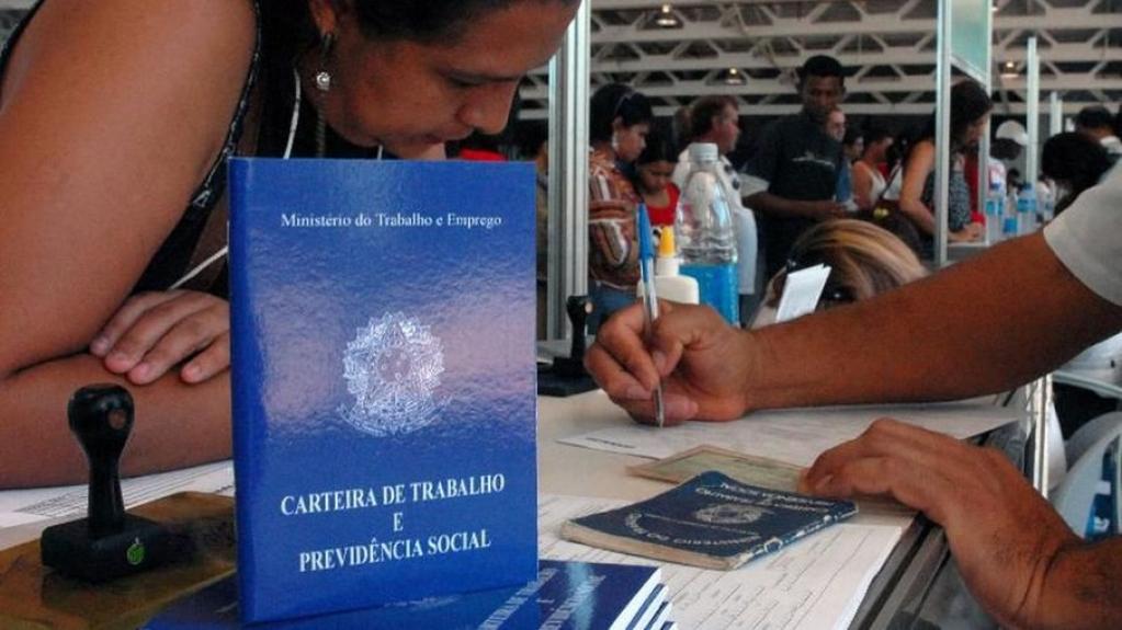 Giro Marília -Desemprego afetou trabalhadores menos qualificados com mais força, diz Ipea