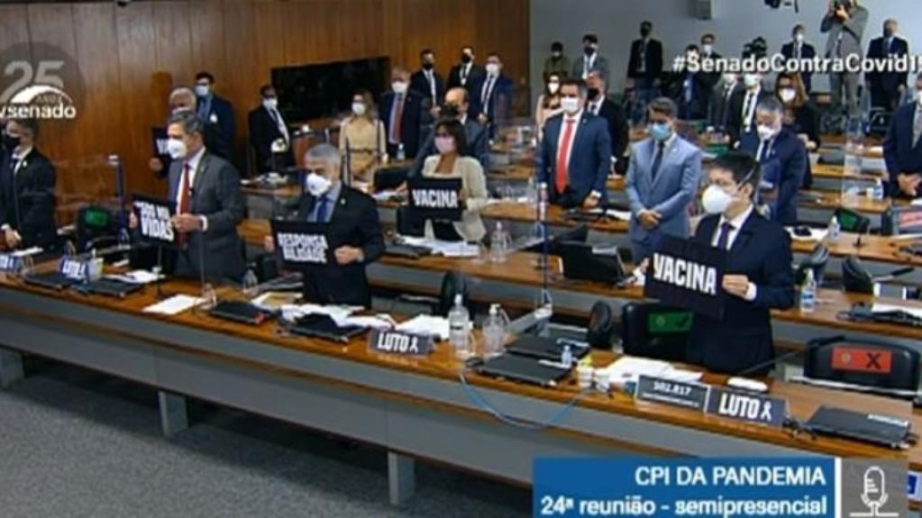 Giro Marília -CPI da Covid: senadores fazem um minuto de silêncio pelas mais de 500 mil mortes