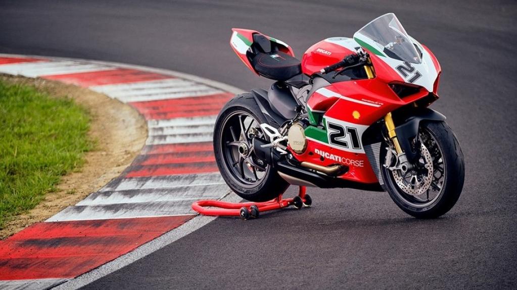 Giro Marília -Ducati homenageia Troy Bayliss com a edição especial Panigale V2