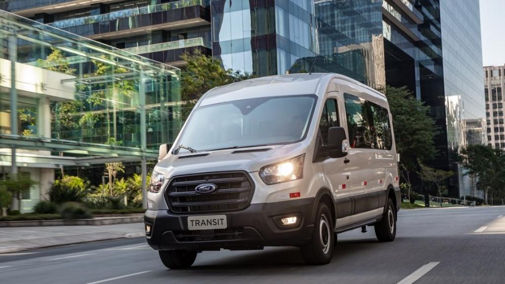 Giro Marília -Ford Transit da nova geração é lançada em três versões no Brasil