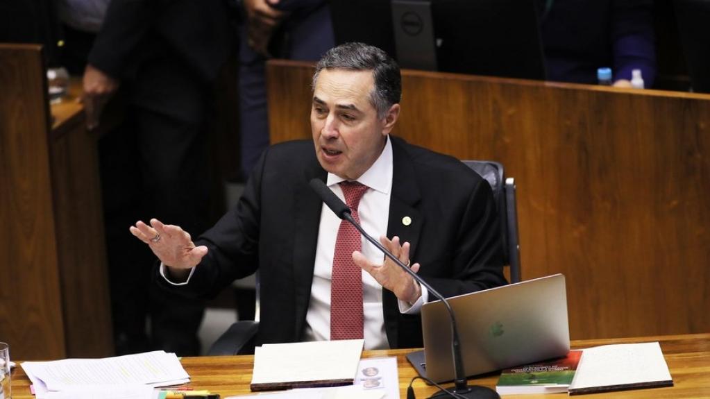 Giro Marília -Barroso irrita bancada evangélica ao proibir missões em aldeias indígenas
