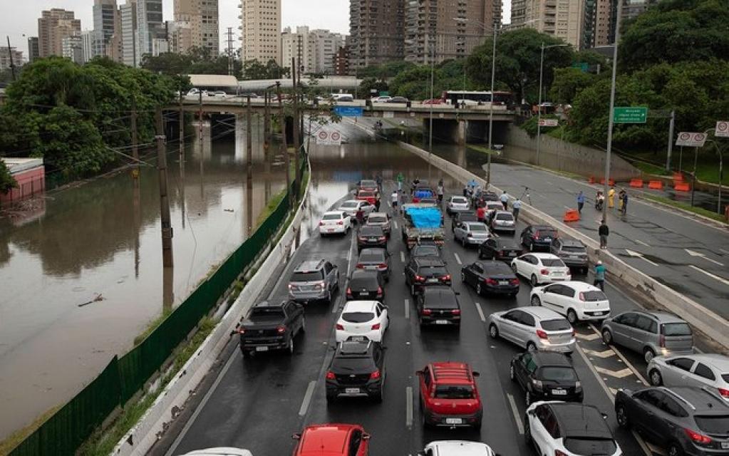 Giro Marília -Previsão do tempo: São Paulo tem quarta-feira de calor com pancadas de chuva