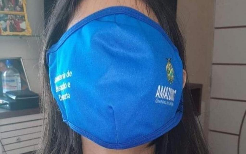 Giro Marília -Máscara gigante distribuída para alunos do Amazonas vira meme na web; veja